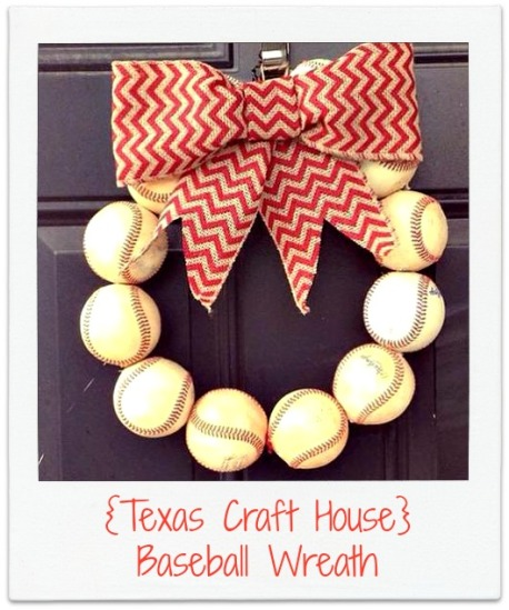 {Texas Craft House} Baseball wreath and how to make the perfect bow!