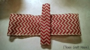 {Texas Craft House} Wondering how to make a bow? This blog has an easy way to make one - simple and step by step with pictures!