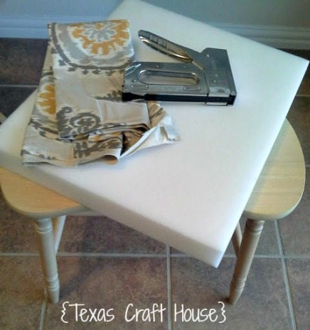 {Texas Craft House} Easy DIY on a fabric covered vanity stool