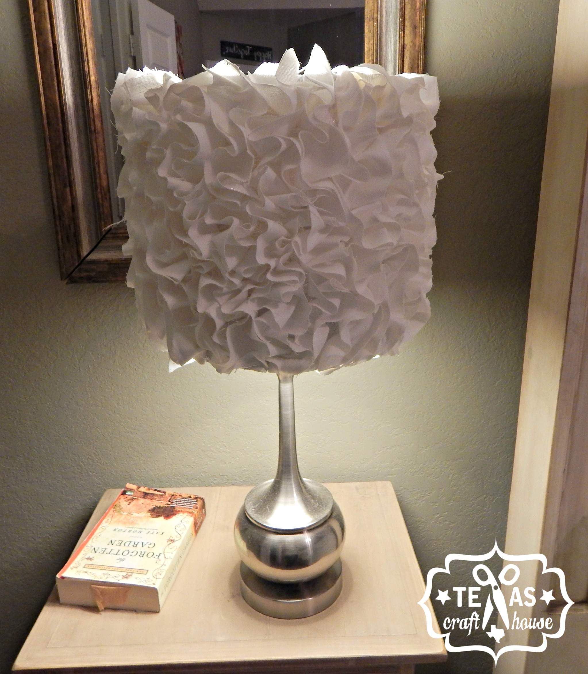 Ruffled lamp shade diy texas craft house - Diy lamp shade ...