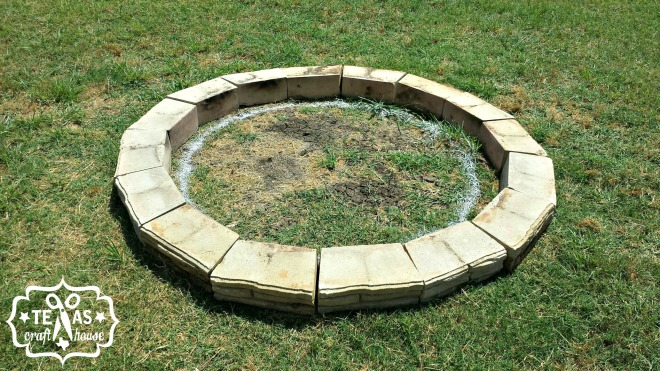 {Texas Craft House} How to build or make your own fire pit - easy picture tutorial!