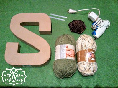 {Texas Craft House} Monogram yarn wreath or display for home, school or nursery
