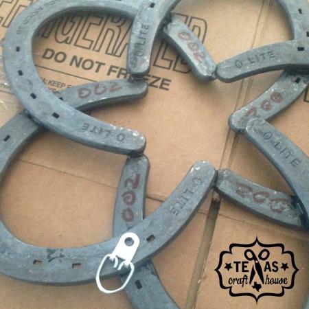 {Texas Craft House} How to a Make Horseshoe Star