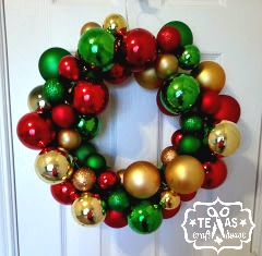 {Texas Craft House} Easy DIY Christmas ornament wreath - no gluing involved!