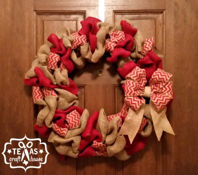 {Texas Craft House} Red, chevron and natural burlap Christmas wreath with a 6 loop bow - easy tutorial with lots of pictures!