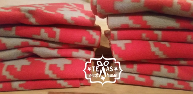 {Texas Craft House} No sew fleece scarves - great gift idea!